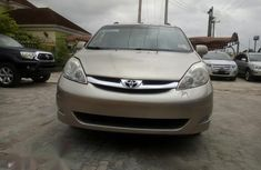 Sell used 2008 Toyota Sienna automatic at mileage 120