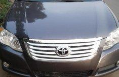 Sell grey/silver 2008 Toyota Avalon sedan automatic at mileage 136,754