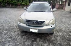Selling grey/silver 2009 Lexus RX suv in good condition