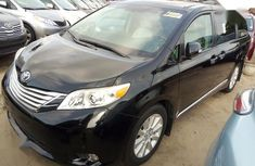 Toyota Sienna 2014 Grey for sale
