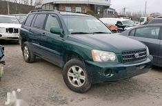 Need to sell green 2001 Toyota Highlander at price ₦2,000,000 in Lagos