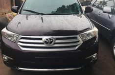 Toyota Highlander 2013 Limited 3.5l 4WD Purple color for sale