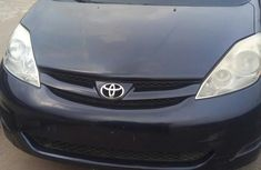 Need to sell high quality blue 2007 Toyota Sienna automatic at mileage 132,646
