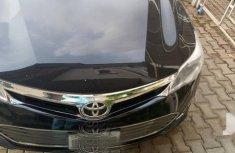Selling black 2015 Toyota Avalon in Abuja