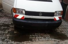 Best priced white 1999 Volkswagen Transporter  minibus at mileage 156,000