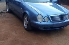 Selling blue 2001 Mercedes-Benz CLK at cheap price
