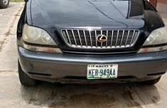 Sell used black 2000 Lexus RX suv / crossover automatic at cheap price