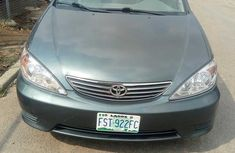Best priced green 2000 Toyota Camry automatic in Lagos