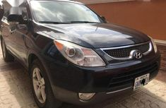Best priced black 2007 Hyundai Veracruz automatic in Lagos