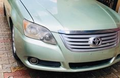 Best priced green 2010 Toyota Avalon automatic in Lagos
