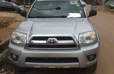 Sell well kept 2006 Toyota 4-Runner van / minibus automatic in Lagos