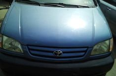 Sell 2001 Toyota Sienna van  automatic in Lagos