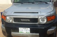 Need to sell grey/silver 2009 Toyota FJ CRUISER suv at price ₦4,500,000