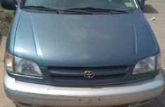Sell green 2000 Toyota Sienna automatic in Lagos at cheap price