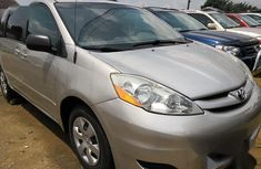 Used 2006 Toyota Sienna automatic car at attractive price