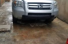 Sell grey/silver 2006 Honda Pilot crossover automatic in Lagos