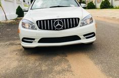 Need to sell cheap used 2010 Mercedes-Benz C300 sedan automatic