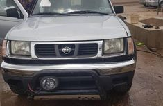 Nissan Frontier 2000 Silver for sale