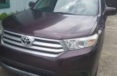Selling 2012 Toyota Highlander automatic in good condition at price ₦6,000,000
