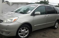 Sell used grey 2004 Toyota Sienna suv  automatic at cheap price