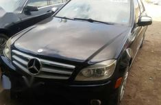 Very sharp neat black 2009 Mercedes-Benz C350 for sale in Lagos