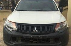 Mitsubishi L200 2015 White for sale
