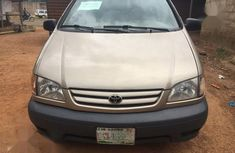 Used gold 2002 Toyota Sienna for sale at price ₦900,000 in Akure
