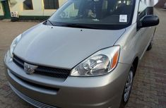 Toyota Sienna 2004 LE AWD (3.3L V6 5A) Silver for sale