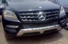 Sharp used black 2013 Mercedes-Benz ML350 suv  car at attractive price