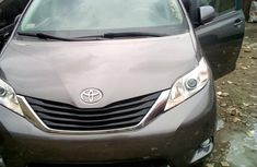 Sell used 2012 Toyota Sienna automatic at mileage 75,000 in Lagos