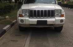 Need to sell cheap 2009 Jeep Commander suv at mileage 202,000