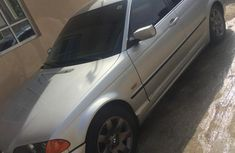 Well maintained 2002 BMW 323i automatic for sale