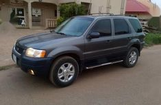 Sell used 2006 Ford Escape suv  automatic in Abuja