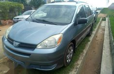 Sell neatly used 2005 Toyota Sienna at mileage 921