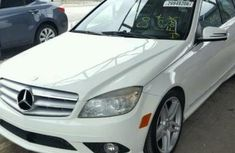 Need to sell used 2010 Mercedes-Benz C350 automatic in Lagos at cheap price