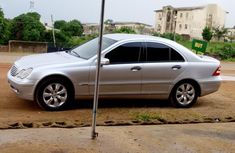 Need to sell cheap used 2003 Mercedes-Benz C200 automatic in Kaduna