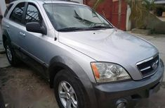 Used grey 2006 Kia Sorento automatic for sale