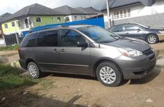 Toyota Sienna 2005 CE Gray for sale