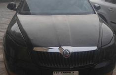 Selling 2010 Skoda Octavia at mileage 6,000 in good condition in Lagos