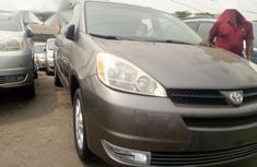 Sell used 2006 Toyota Sienna van automatic at mileage 83,556