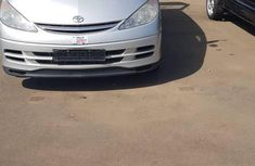 Used 2005 Toyota Previa manual at mileage 89,000 for sale