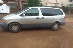 Best priced used grey  2001 Toyota Sienna at mileage 125,000