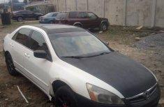 Sell white 2004 Honda Accord sedan automatic