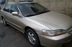 Well maintained gold 2001 Honda Accord at mileage 123 for sale