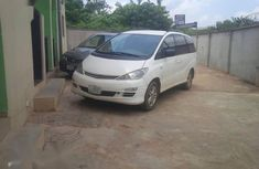 Need to sell high quality 2005 Toyota Previa at price ₦1,850,000