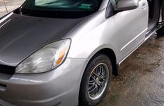 Sell grey 2005 Toyota Sienna in Port Harcourt at cheap price