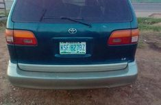 Toyota Sienna 1999 Green for sale