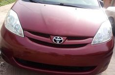 Toyota Sienna 2008 LE Red for sale