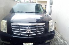 Certified black 2005 Cadillac Escarlade automatic in good condition