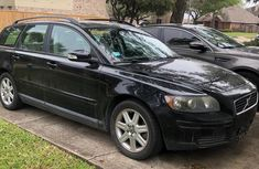 Selling 2007 Volvo V50 in good condition at mileage 11,029